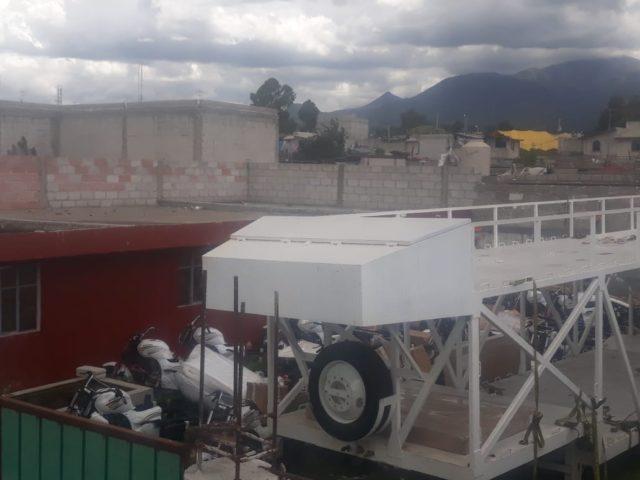 Aseguran inmueble con tráiler robado y cargado con 26 motos en Huamantla