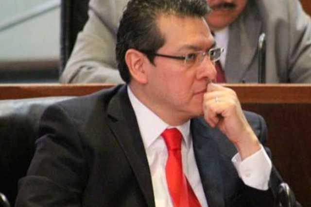 Marco Mena anuncia apoyo al sector productivo por contingencia