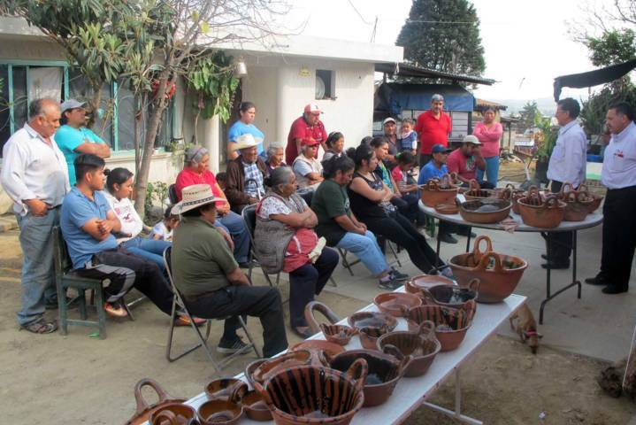Promueve Casa de las Artesanías elaboración de piezas libres de plomo