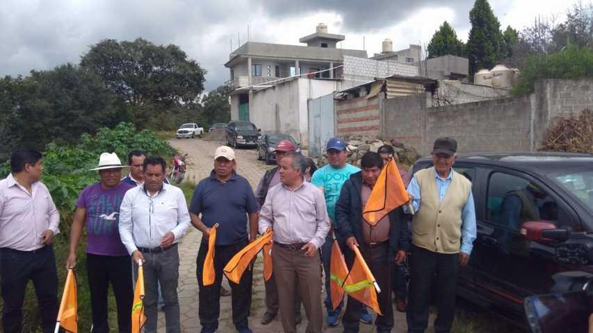 Alcalde acerca servicio básico a la calle Francisco I Madero de la 3ra sección