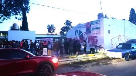 Cierran Cecyte en Mazatecochco; piden destitución de 4 docentes