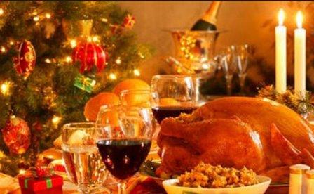 Recomiendan moderar consumo de comida y bebida en estas fiestas