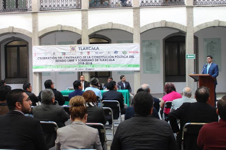 Disertan en Congreso conferencias magistrales