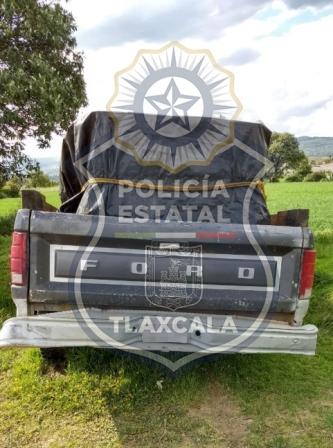 Aseguran policías en Calpulalpan vehículo con huachicol