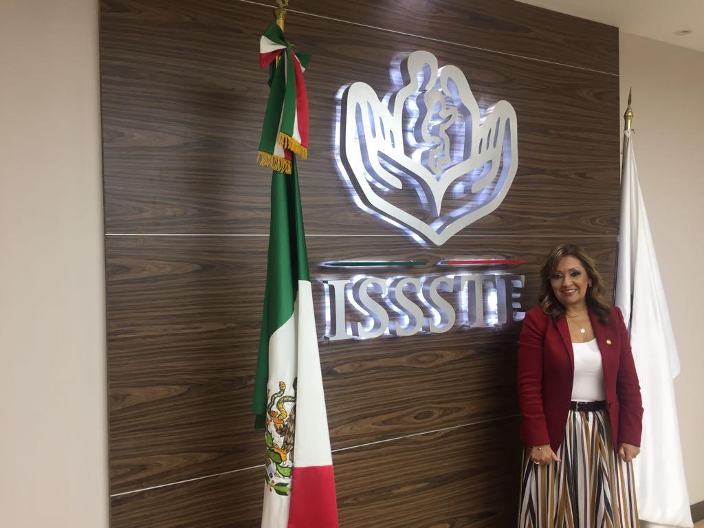 Lorena Cuéllar se reúne con director nacional del ISSSTE