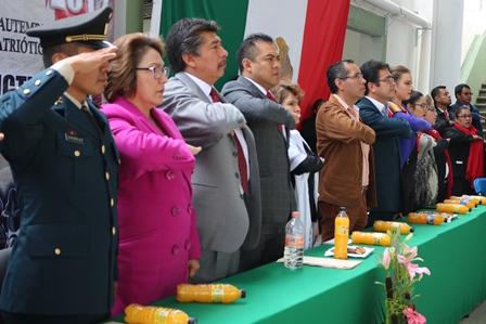 Rinde Santa Ana Chiautempan Homenaje a Niños Héroes