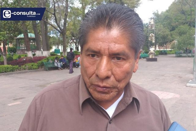 El chapulín Edilberto Algredo quiere nuevamente vivir del erario de Xicohtzinco