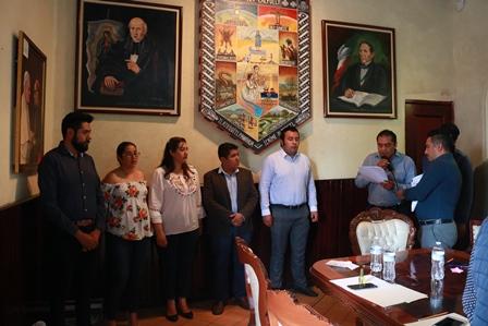 Presentan al Comité de las fiestas patrias de Chiautempan