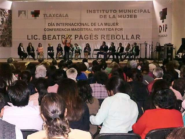 Ayuntamiento Capitalino presentó conferencia de Beatriz Pagés Rebollar con motivo del Día de la Mujer