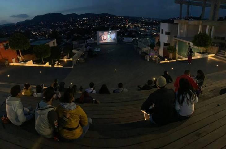 Realizan Cine al Aire Libre en la capital