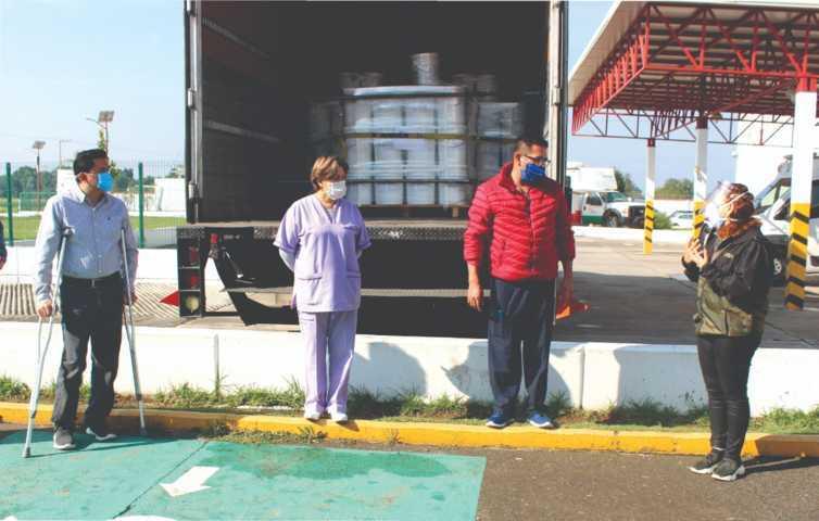 Gestionan Claudia Pérez y Felipe Fernández, sanitizante para hospital de Nativitas