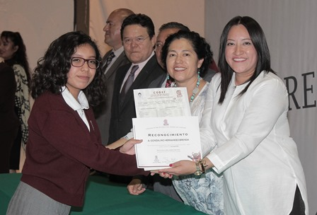 Festejan graduación de una generación más del Cobat de Huamantla