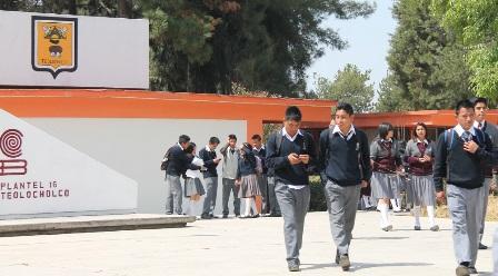 Seis mil jóvenes se integran a nuevo ciclo escolar COBAT