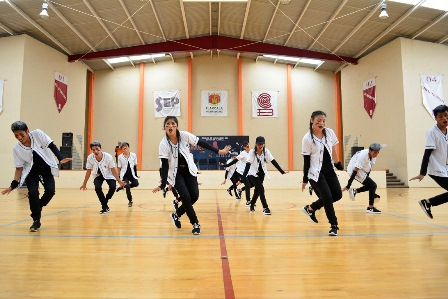 Celebra el Cobat noveno intercolegial de baile