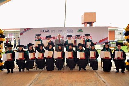 Se gradúan alumnos de telebachilleratos comunitarios