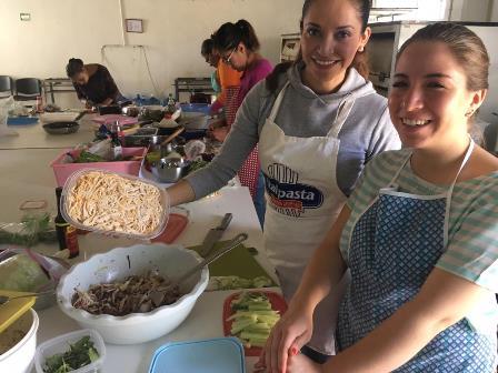 Realizan curso de cocina internacional en la capital