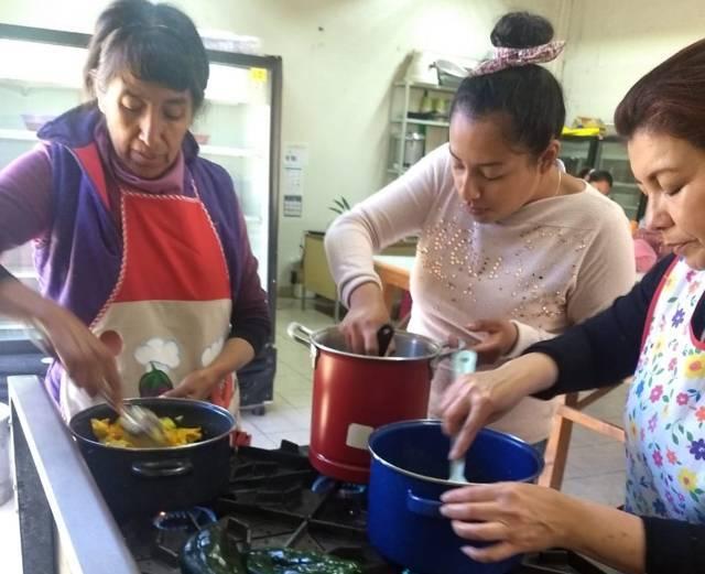 Imparte SMDIF curso de cocina regional