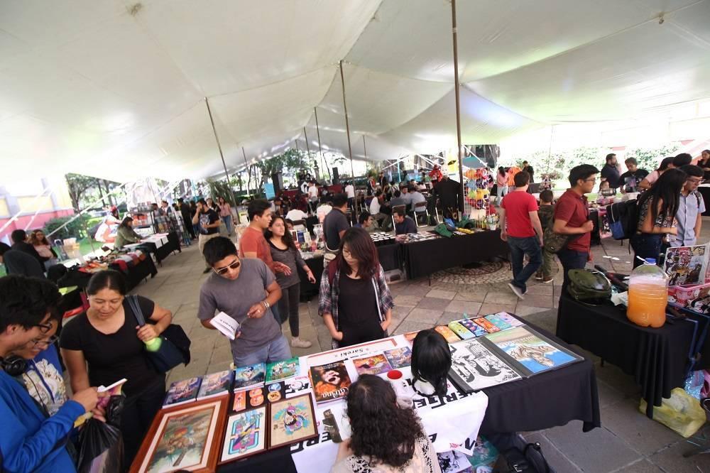 Más de mil personas visitaron el primer Friki Tianguis de La Colmena