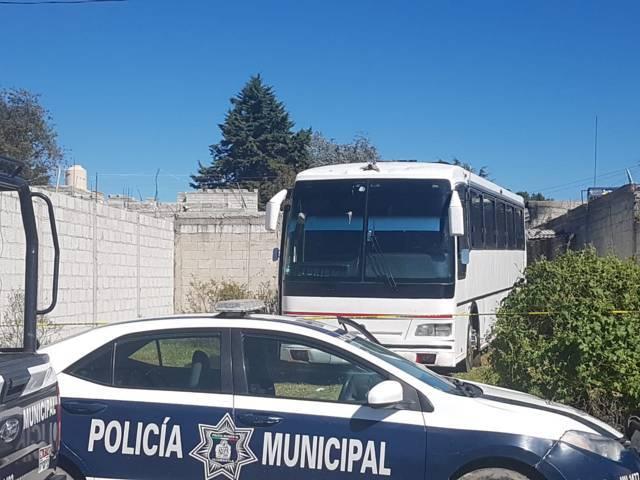 Asegura policía municipal predio con combustible robado y autobús