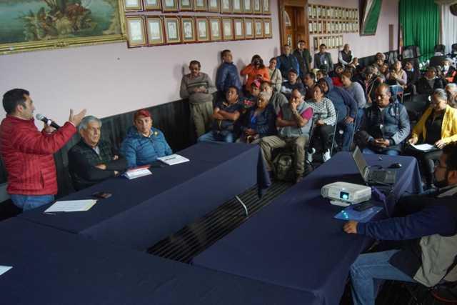 Proyectan reubicar a vendedores ambulantes en nueva plaza comercial en Calpulalpan