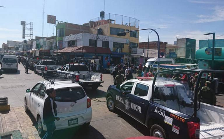 De nuevo fuerza pública de Apizaco retira a ambulantes