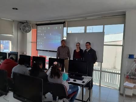 """Continúa comuna capitalina con """"Curso Básico de Computación para Mujeres"""""""