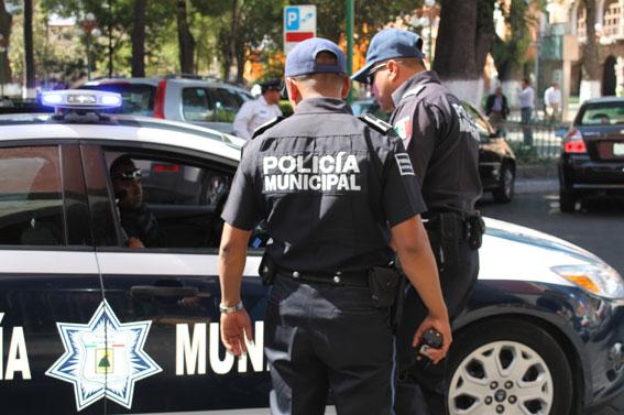 Presume Marco Mena estado seguro y habrá de contratar mas policías