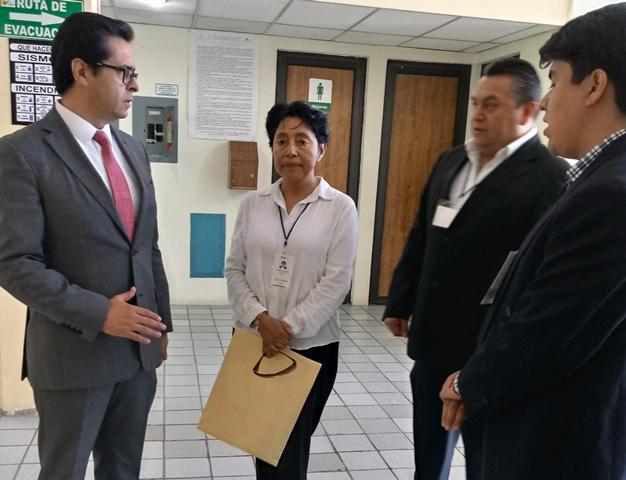 Sin incidentes realizan concurso de plazas para docentes for Concurso plazas docentes
