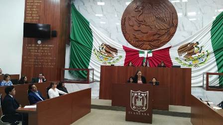 Denuncian que diputada de Morena obstruyó fiscalización de legisladora
