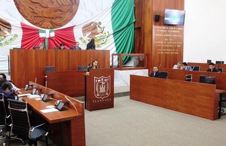 Presentan Sandra Corona Ley de Adopciones para Tlaxcala