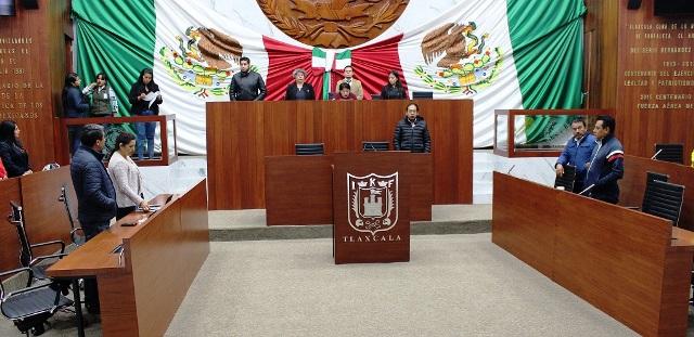 Atonal y Rivera asumen control de comisiones en el Congreso