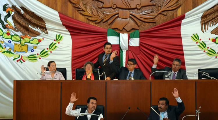 Diputados empatan 10 contra 10 en el caso Bernal Salazar