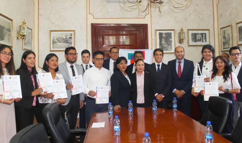 Toma protesta Anabell Ávalos a integrantes del Consejo Municipal de la Juventud