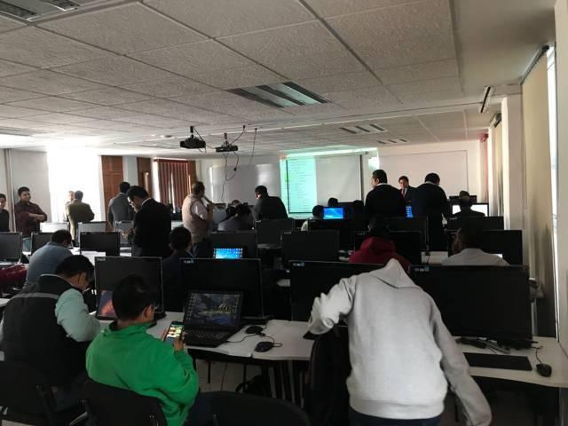 Realiza contraloría curso-taller de aplicaciones móviles