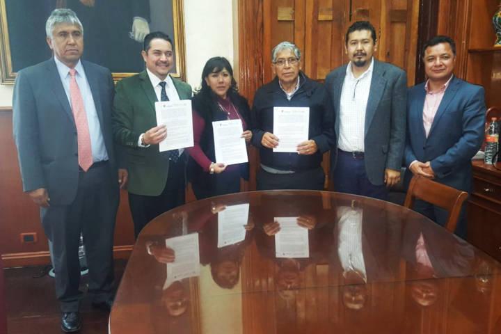 Firman convenio de colaboración ayuntamiento de Tlaxcala y SNTISSSTE