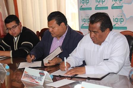 Integran comités municipales de gobierno abierto