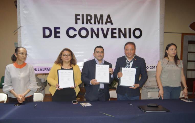 Ayuntamiento y Centro la Libertad signan convenio de colaboración