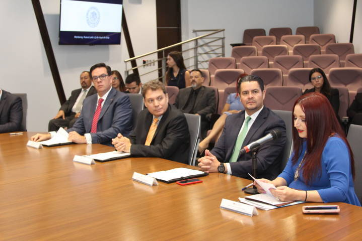 Firma Maldonado Bonilla convenio de mediación a distancia en Nuevo León