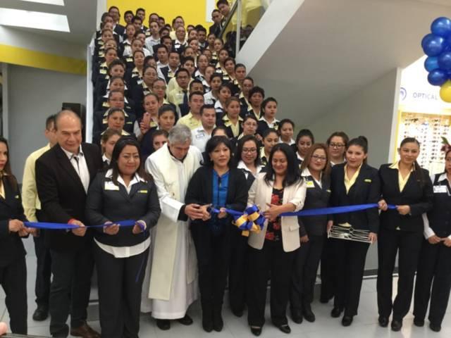 Reinaugura alcaldesa de Tlaxcala la tienda Coppel Zitlalpopocatl
