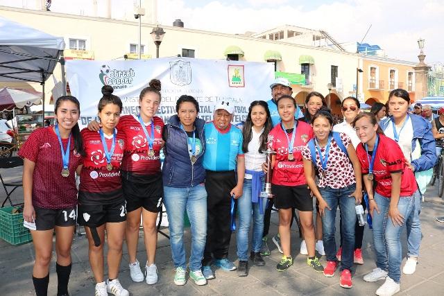Coyotas Tlaxcala y Enince son campeones del Street Soccer