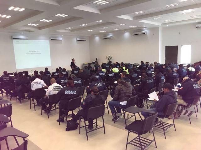 Una prioridad la capacitación de policías municipales y estatales