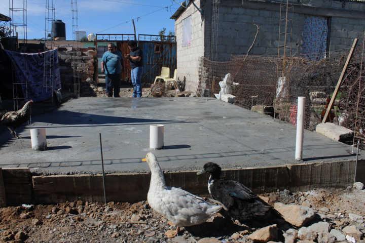 Beneficia a 10 familias vulnerables con cuartos Rosas en Calpulalpan