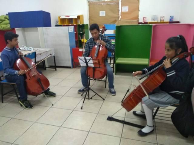 Imparten curso de violoncello en Dirección de Cultura capitalina