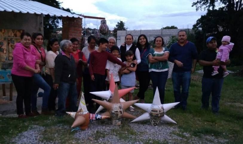 Movimiento Ciudadano realiza curso en Panotla de elaboración de piñatas