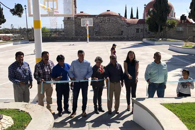 Oscar Murias  entrega nuevo parque con una inversión superior a 1.2 mdp