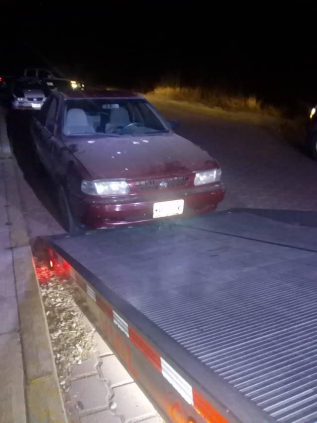 Policía municipal recuperan vehículo con reporte de robo