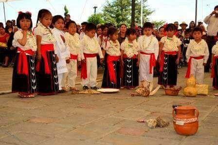 Rememoran en Santa Cruz Tlaxcala el Día Internacional de la Lengua Indígena
