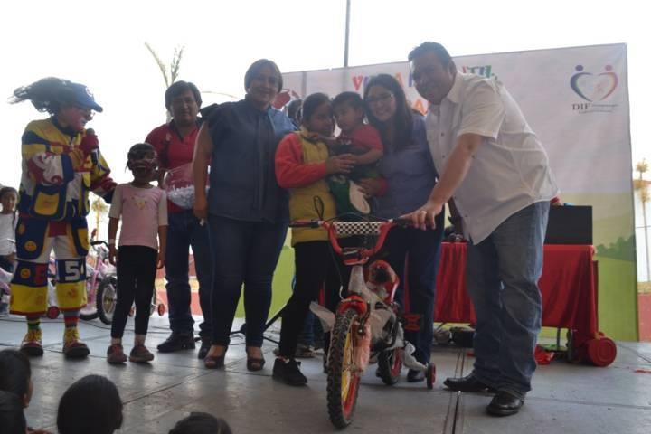 Se celebra el día del niño en Tzompantepec