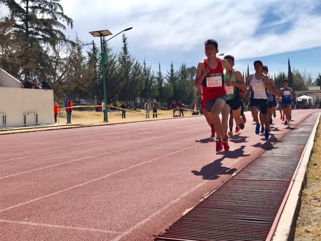 Inicia fase estatal de olimpiada en la disciplina de atletismo