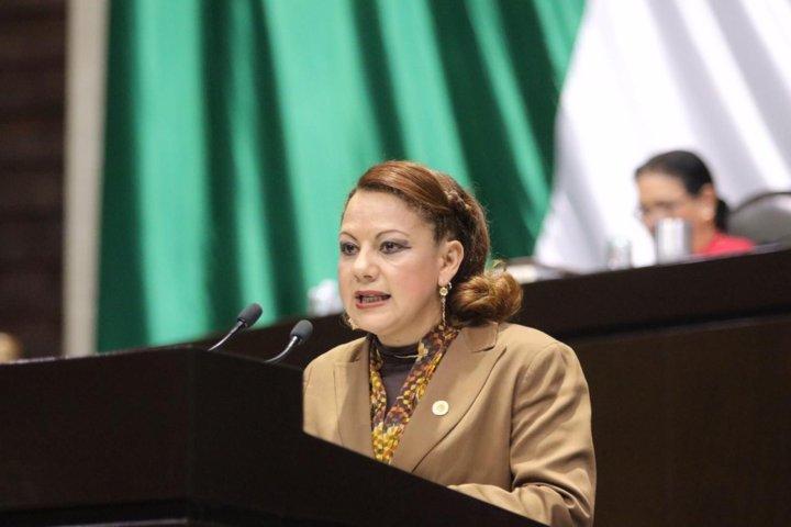 Propone Claudia Pérez política de reinserción social para menores